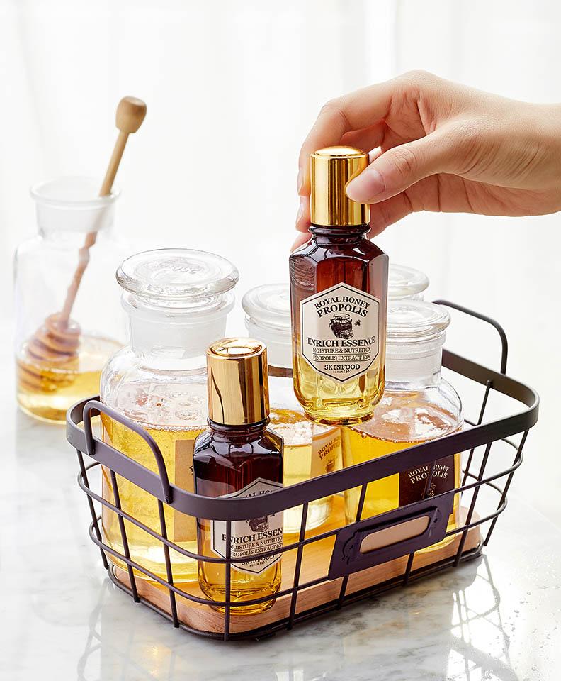 Skinfood-Royal-Honey-Essence-1